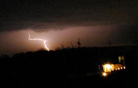 lightning0402.jpg